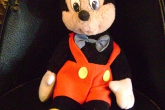 Mickey full body after